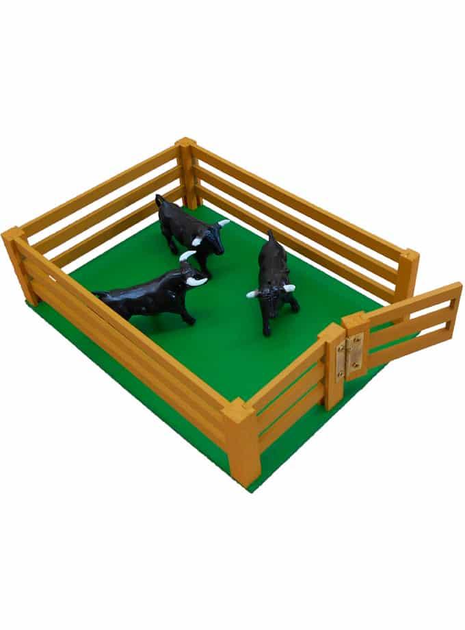 Corrales de madera de juguete