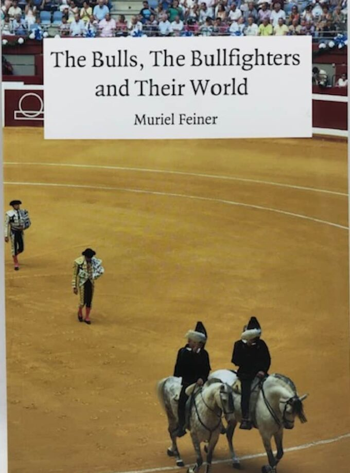 "Libro ""The Bulls, The Bullfighters and Their World"""