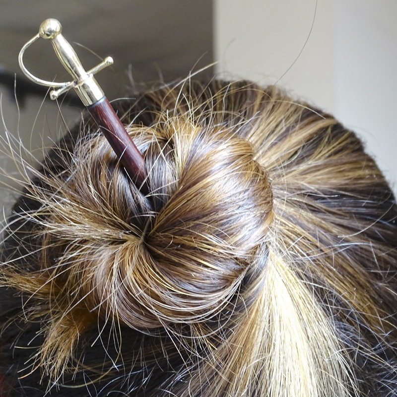 Palillos taurinos para el pelo