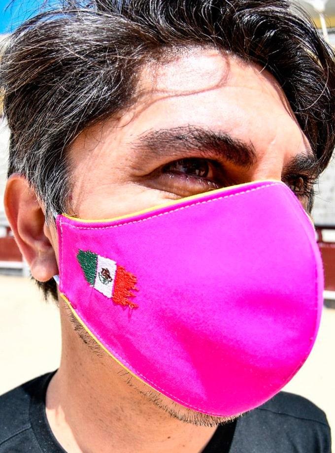 Mascarilla taurina de tela de capote con bandera de México