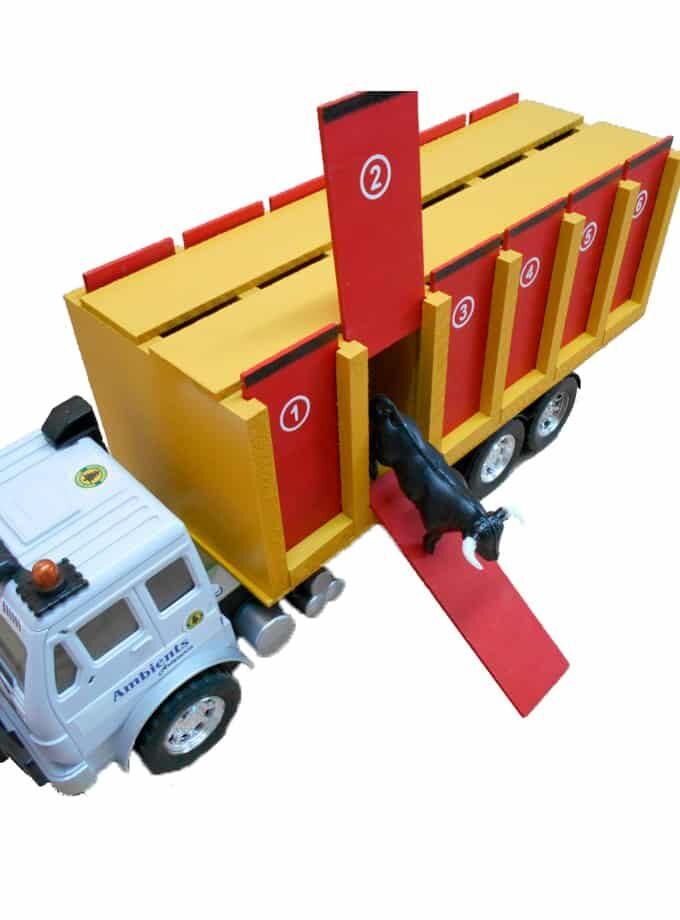 Camion de transport de toros de jouet